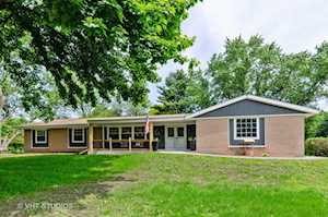 834 Winmoor Dr Sleepy Hollow, IL 60118