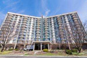 20 N Tower Rd #12C Oak Brook, IL 60523