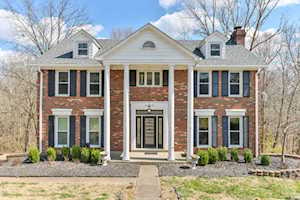 5222 Moccasin Trail Louisville, KY 40207