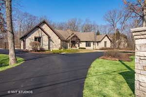 1302 Woodland Ct Riverwoods, IL 60015