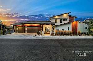 1108 E Hearthstone Boise, ID 83702