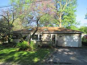 325 Council Trl Lake In The Hills, IL 60156