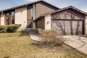 3139 Toulon Dr Northbrook, IL 60062