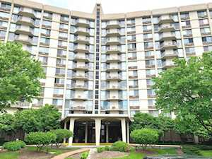 20 N Tower Rd #4E Oak Brook, IL 60523