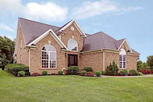 2504 Gainesway Ct Louisville, KY 40245