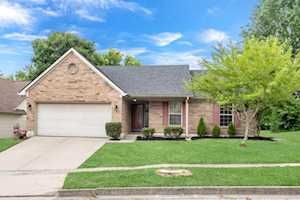2224 Kenwood Drive Lexington, KY 40509