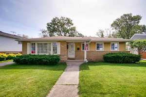 793 S Cedar Ave Elmhurst, IL 60126