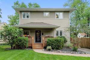 908 Highland Ct Downers Grove, IL 60515