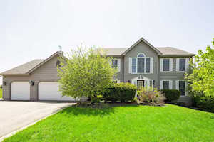 3015 Woods Creek Ln Algonquin, IL 60102