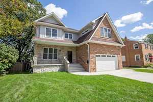 413 N Pine St Mount Prospect, IL 60056