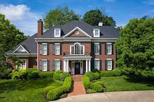 207 Mockingbird Gardens Dr Louisville, KY 40207