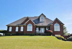 211 Eagles Bluff Ct Shepherdsville, KY 40165