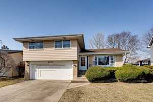 8236 N Knight Ave Niles, IL 60714