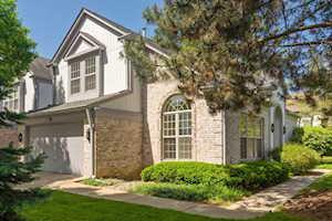 187 W Fox Hill Dr Buffalo Grove, IL 60089