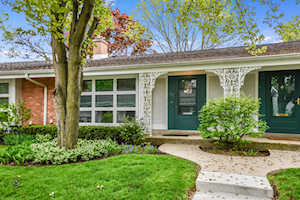 722 Carriage Hill Dr Glenview, IL 60025