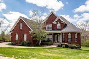 2102 Polo Creek Ln Louisville, KY 40245