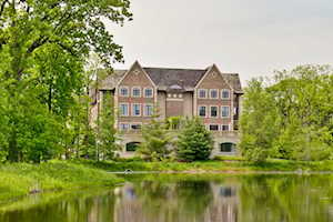 1800 Amberley Ct #209 Lake Forest, IL 60045