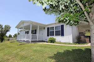 1077 Beaver Lake Road Lawrenceburg, KY 40342