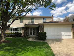 1138 Weeping Willow Ln Libertyville, IL 60048