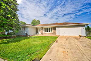 1224 Countryside Dr Elgin, IL 60123