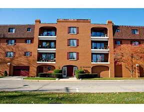430 Lake View Ave #3D Highwood, IL 60040