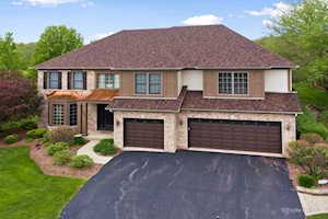 856 Tipperary St Gilberts, IL 60136