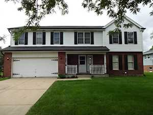 10S536 Dunham Dr Downers Grove, IL 60516