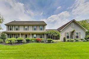 381 S Old Creek Rd Vernon Hills, IL 60061