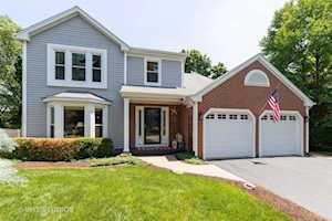 135 N Royal Oak Dr Vernon Hills, IL 60061