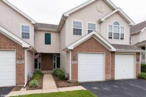 7430 Grandview Ct Carpentersville, IL 60110