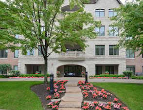 1800 Amberley Ct #302 Lake Forest, IL 60045