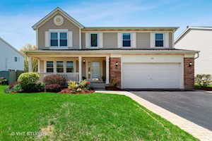 1312 Chesterfield Ln Grayslake, IL 60030