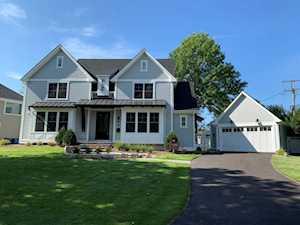64 Rose Place Clarendon Hills, IL 60514