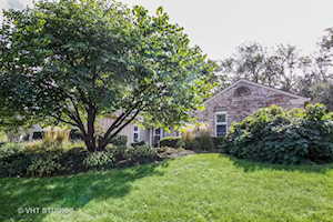 1401 Golden Bell Ct Downers Grove, IL 60515