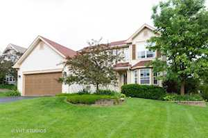 181 Winding Canyon Way Algonquin, IL 60102