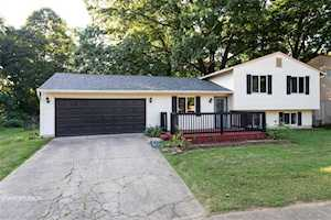5922 Milhouse Court Indianapolis, IN 46221