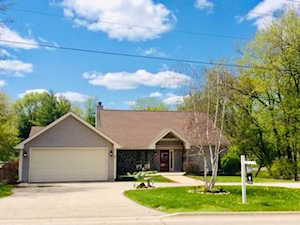 6409 Sands Rd Crystal Lake, IL 60014