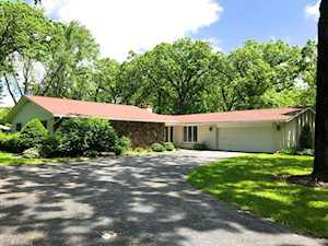 1 S Bruce Circle Hawthorn Woods, IL 60047