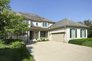 2200 Royal Ridge Dr Northbrook, IL 60062