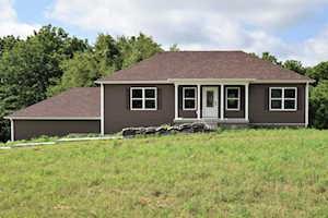106 Cherokee Ct Taylorsville, KY 40071