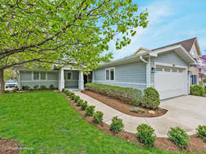 4821 Northcott Ave Downers Grove, IL 60515