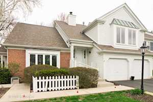 220 Country Club Dr Prospect Heights, IL 60070
