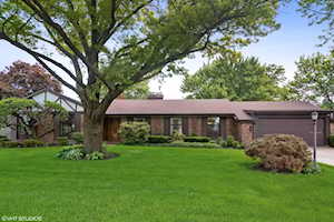 3496 Whirlaway Dr Northbrook, IL 60062