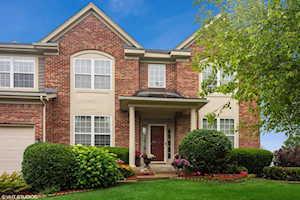 1684 N Cypress Pointe Dr Vernon Hills, IL 60061