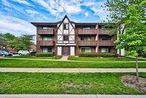 1012 Centurion Ln #8 Vernon Hills, IL 60061