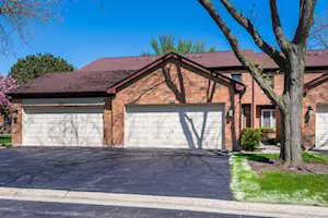 1576 N Windsor Dr Arlington Heights, IL 60004