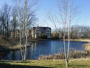 1800 Amberley Ct #101 Lake Forest, IL 60045