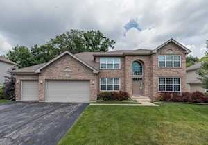 5690 Brentwood Dr Hoffman Estates, IL 60192