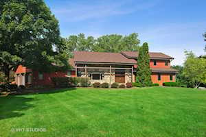 45 Rosewood Dr Hawthorn Woods, IL 60047