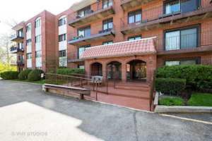 2086 St Johns Ave #207 Highland Park, IL 60035